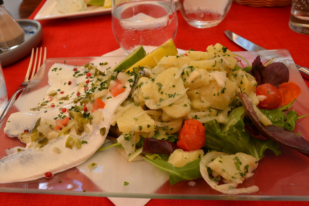 Lunch at restaurant la petite alsace in strasbourg for Alsacian cuisine