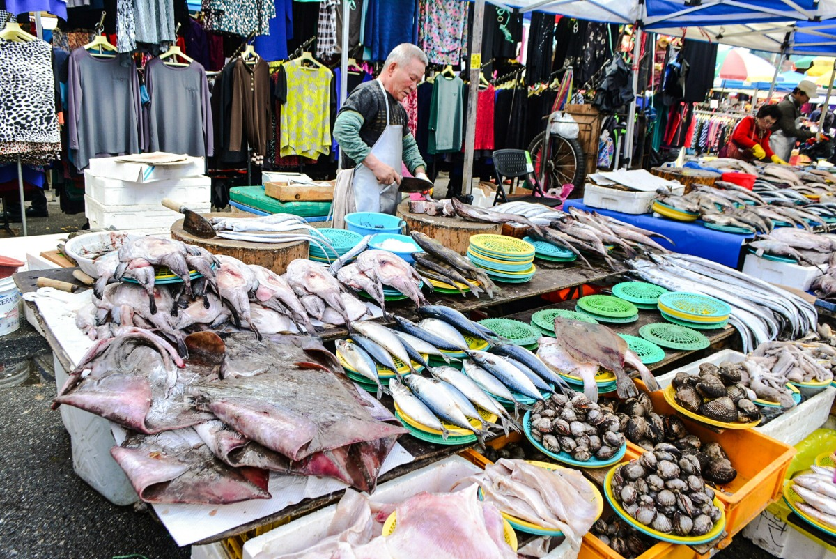 Alternative Seoul Itinerary: Moran Folk Market